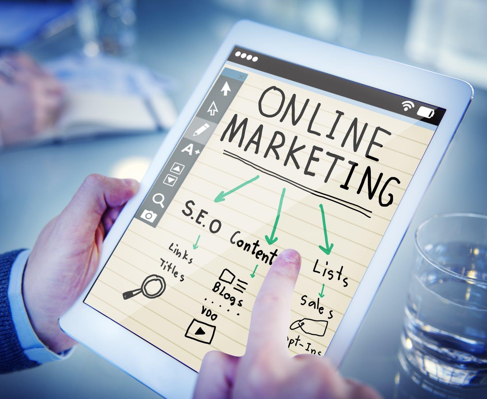 C:\Users\Tuba1\Desktop\Downloads\7-high-paid-digital-marketing-jobs-intro.jpeg